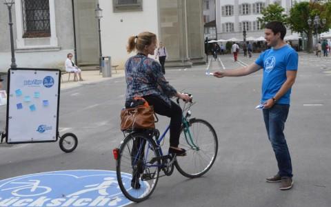 Stadt Luzern: Strassenaktion der Velokampagne Rücksicht