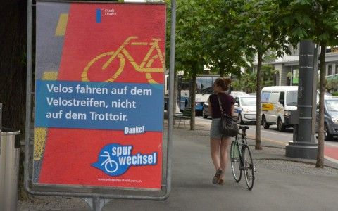 Plakat Spurwechsel am Nationalquai